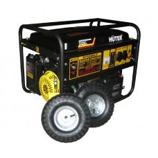 Huter DY6500LX Бензиновый генератор с колёсами и аккумулятором (5 кВт, электростартер)